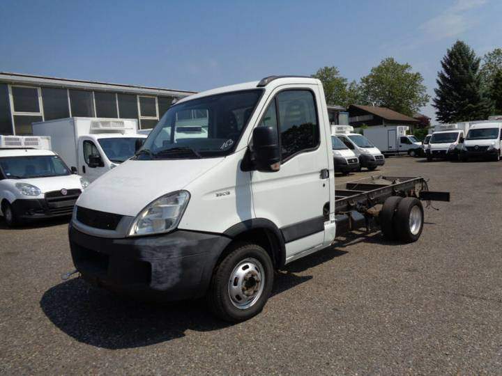 Iveco 35 C13 *Maxi-Fahrgestell*Tempomat* - 2011