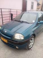 Selling Renault Clio 1.4 mode 2001