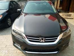 Honda accord, first body, Lagos cleared, reverse camera, buy and drive