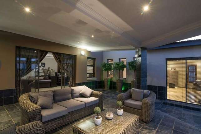A Life Of Style, Entertainment And Tranquillity Zwaveldspoort - image 5