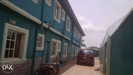 Lovely 3bedroom Flat Upstairs Tiles Round wit Dinning Section Igando