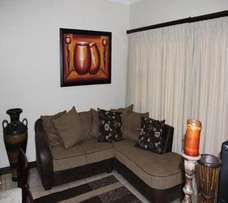 Affordable luxury self-catering holiday apartment with sea view