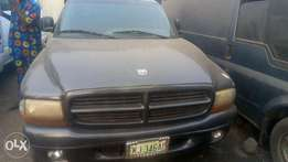 Dodge durango clean one,3 roll