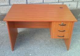 Office table(50*90*75cm)-brand new-small size.