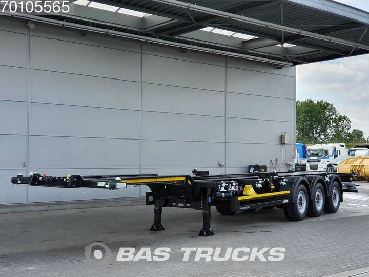 KOGEL 2x20-1x30-1x40ft. 3 axles Ausziehbar Extending Chassis - 2019