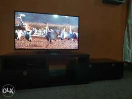 """40"""" led Samsung with unique tv stand"""