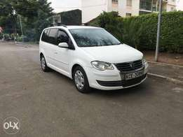 Volkswagen touran, Year 2008, 1600cc fully loaded.