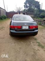 Super clean honda accord 05 model leather seats for sale