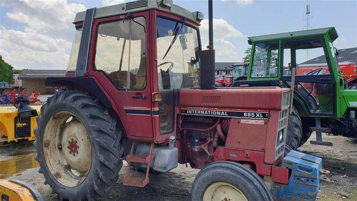 International 885 Xl