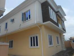 A Lovely 5 Bedrooms Detached Duplex for Sale