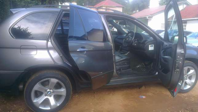 BMW X5 on sale Kampala - image 5