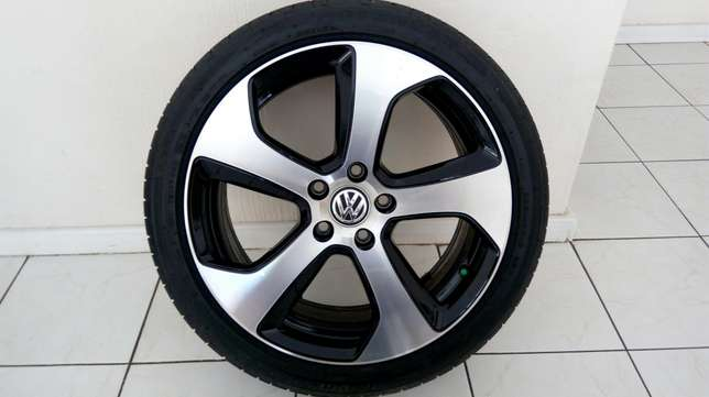 Golf 7 GTI 18' Original Mag & Tire (1 x Mag & Tire only) Sandton - image 1
