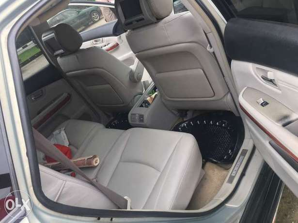Swt and well maintained Lexus 330 suv Amadi - image 3