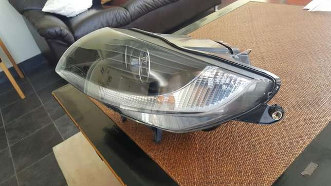 BMW Z4 headlight Bothasig - image 3