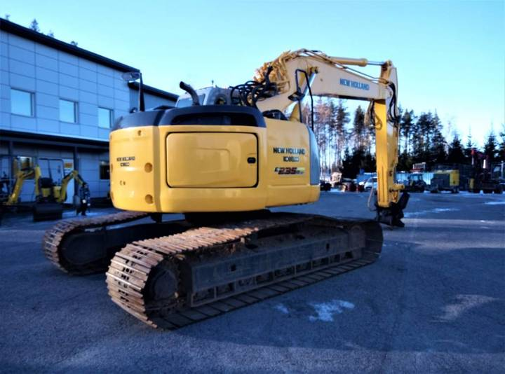 New Holland Kobelco E235b Sr - 2007