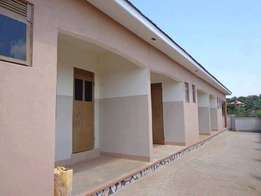 Breadth sitting room and bedroom for rent in Gayaza at 200k
