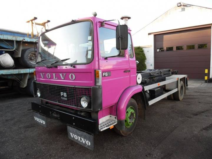 Volvo F 6 10 met containersysteem - 1985