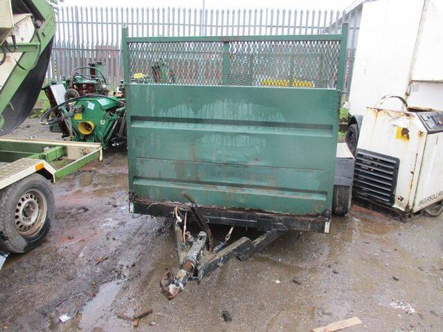 twin axle  with  light  for sale by auction