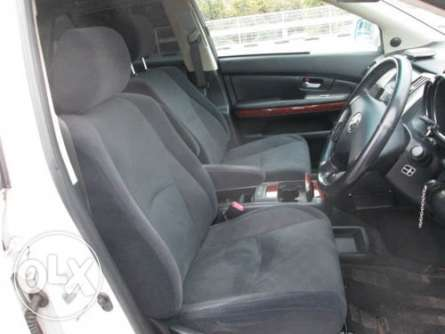 Toyota Harrier 2010 with sunroof in Nairobi Parklands - image 3