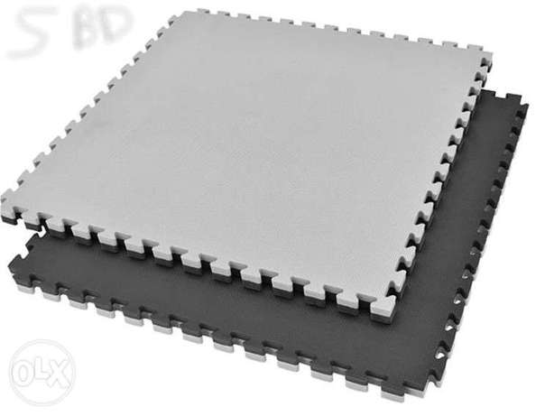 Black/Grey Gym Floor Quality Mat Available (1M Square , 2.5cm thick)