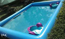 2 boats and swimming pool for hire
