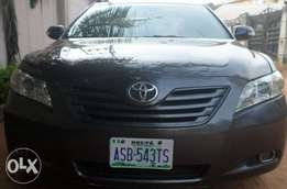 Neat registered buy & drive toyota camry 07. For sale in asaba