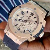 Hublot Rose gold rubber strap watch