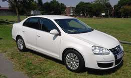 VW Jetta 5 1.6 very clean 2011 model