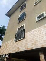 3 bedroom upstairs wt 1rm bq at abosede kuboye,off bodethomas,1.6m 1y
