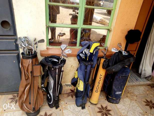 Selling Golf Kit including golf clubs, and golf pouch. Township - image 5