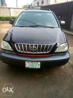 Neatly Used Lexus rx300 first body
