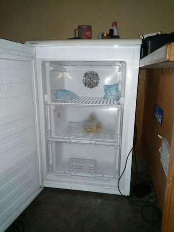 Beko Mini Fridge for Sale Uyo - image 3