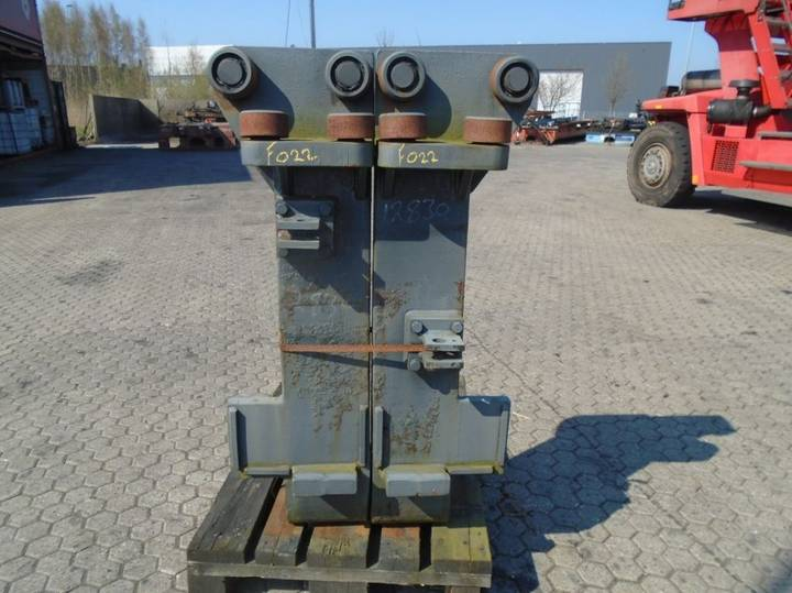 FORK Fitted with Rolls, Kissing 28.000kg@1200mm // - image 3