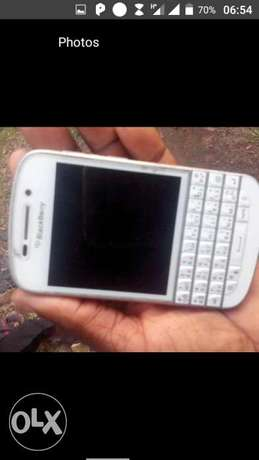Blackberry Q10 neat Ibadan Central - image 5