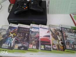 Xbox 360 2 controllers