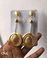 The Bijoux Place Gold Earring