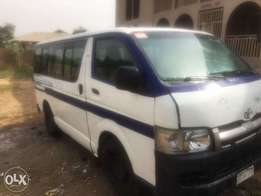 Neatly used Toyota Hiace Hummer bus in excellent condition