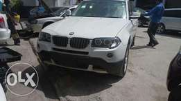 BMW x3 pale white