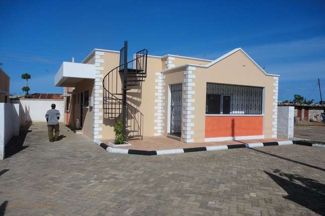 Royal 3 bedroom Own Compound Bungalow FOR SALE Mombasa Island - image 1