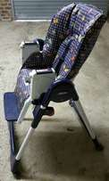 Eat chair with roller wheels