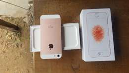 Extra mint 128gb rose gold iphone SE for sale for a low price