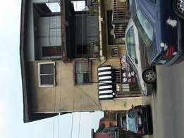 3 bedroom flat for office use at the ever busy queens Road yaba