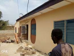 Newly renovated 2bedroom with 3t/b at Zartech Oluyole 200k