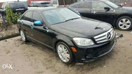 Foreign used 2009 Mercedes Benz C300. Direct tokunbo