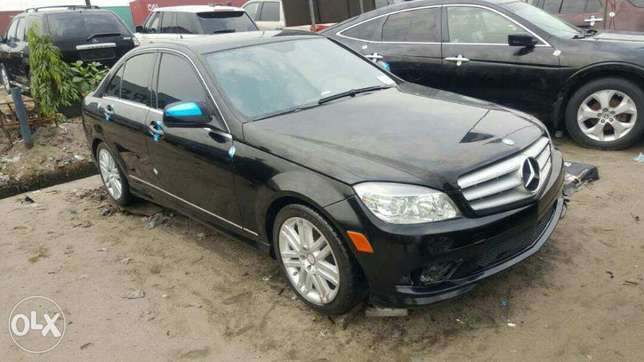 Foreign used 2009 Mercedes Benz C300. Direct tokunbo Apapa - image 1