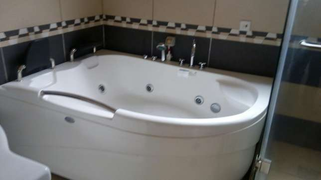 A 5 bedroom townhouse spacious rooms for letting letting. Westlands - image 6