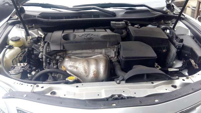Tokunbo toyota camry silver Surulere - image 3