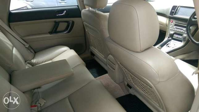Subaru Outback leather Mombasa Island - image 7