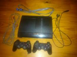 Playstation 3 Slim 500GB (10 games and 2 controllers