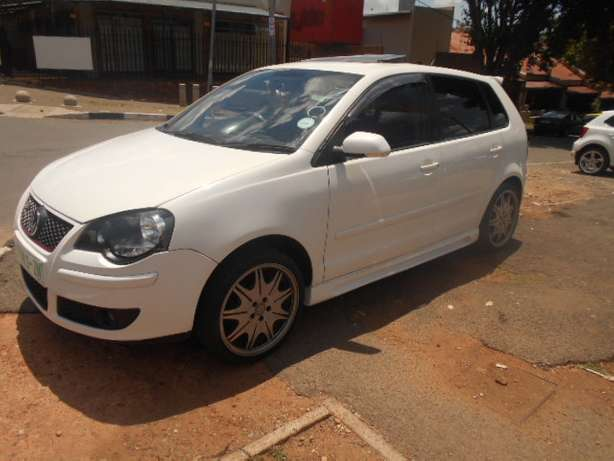 2008 VW Polo 1.6 Full house with mags and a sunroof for sale Johannesburg - image 1